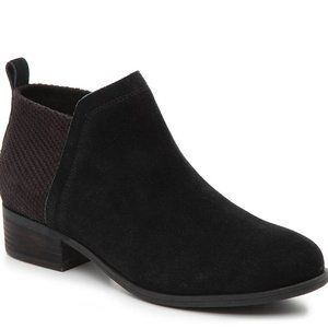 Toms Deia Suede Round Toe Boot Side Zip Ankle Boot